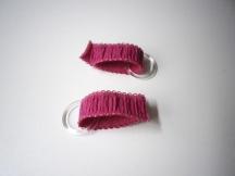 placez les 2 longueurs de 6cm dans les anneaux..